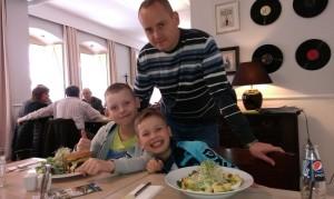 Sławomir Gwizdek (Lider Zespołu) z synami