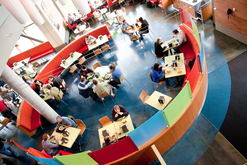 Kawiarnia - miejsce spotkań pracowników. Zdjęcie: microsoft.com