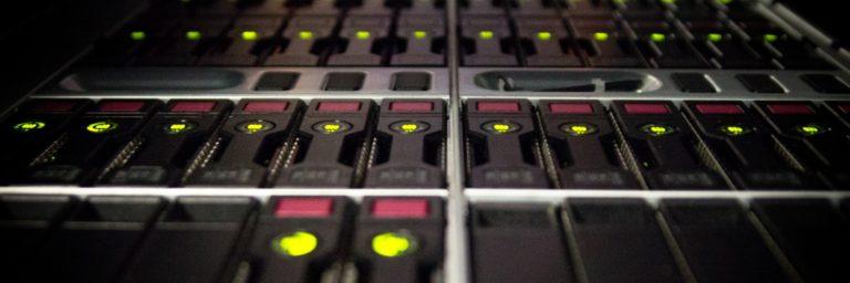 Szybki hosting z bazą danych – karty NVME w home.pl