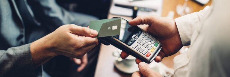 Jak klienci płacą za zakupy? I dlaczego to ważne dla e-biznesu?