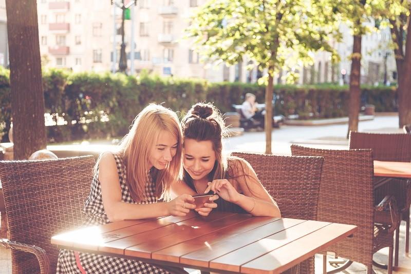 Aktywizowanie swoich odbiorców poprzez konkursy pozwala zwiększyć zasięg oddziaływania na Facebooku i pozyskać nowych klientów.