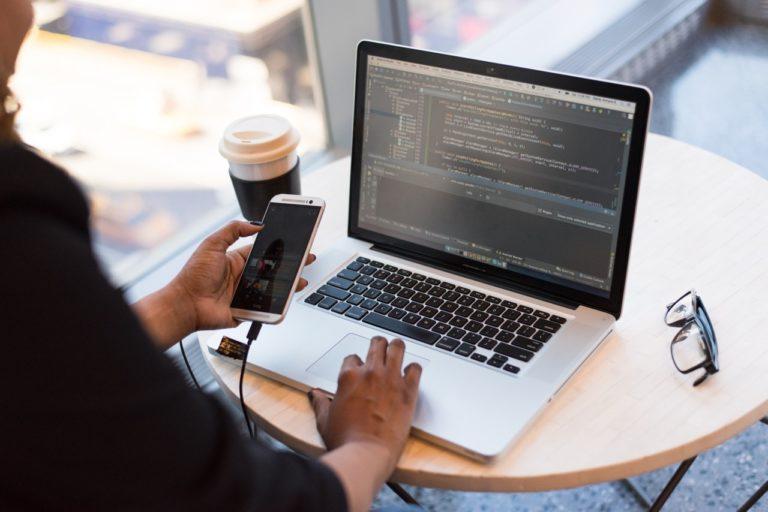 Którędy wchodzi haker po dane?  Zapisz się na webinar