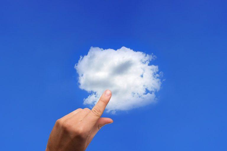 Tradycyjne rozwiązania hostingowe a chmura. Obalamy mity – odpowiadamy na pytania z webinaru