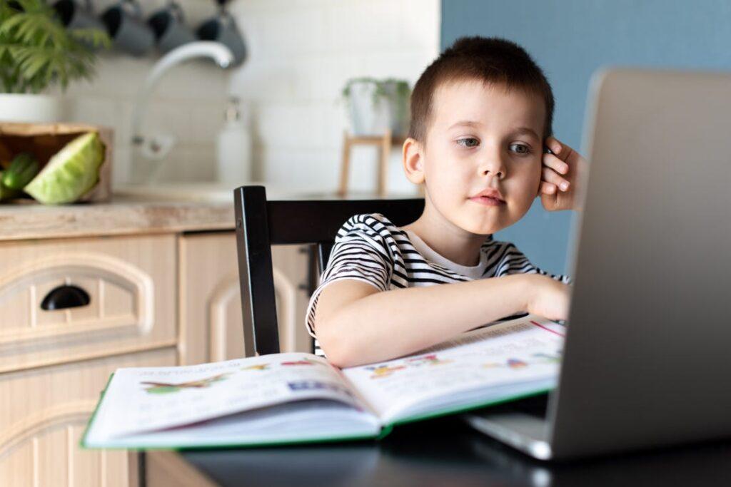 Jak zacząć zdalne lekcje z Google Classroom? – wskazówki dla nauczycieli