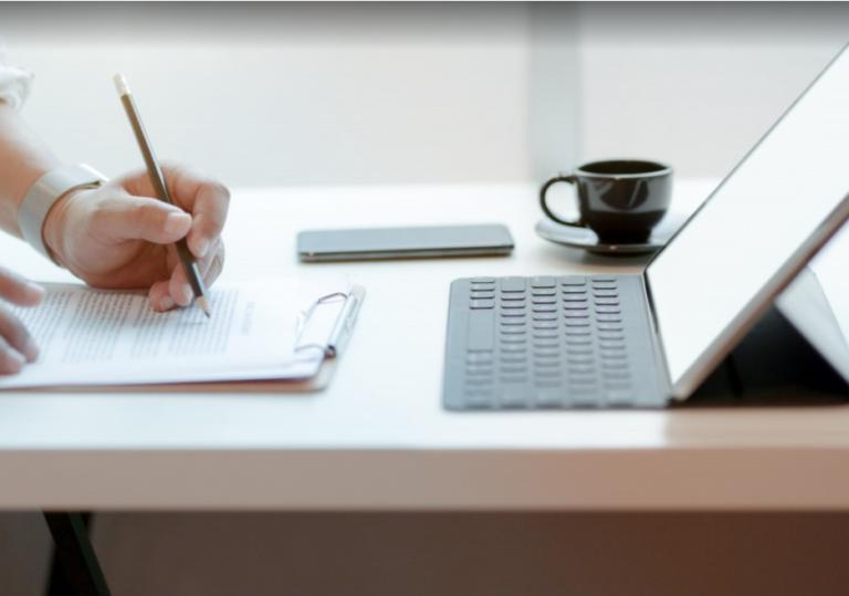 7 wskazówek jak stworzyć silne oraz bezpieczne hasło i jak korzystać z zaufanego menedżera haseł