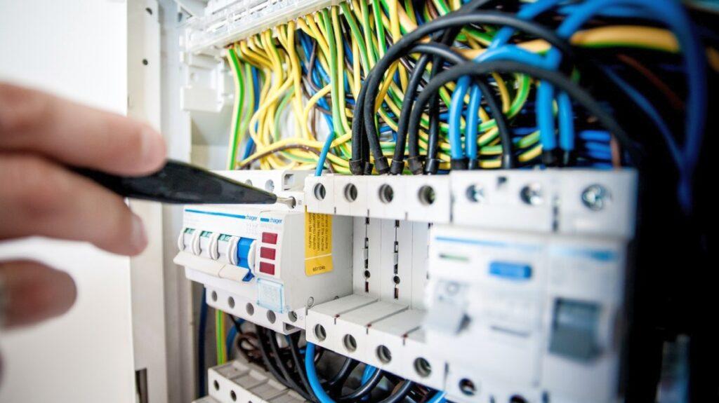 Dedykowany czy współdzielony adres IP na hostingu – który jest lepszy?