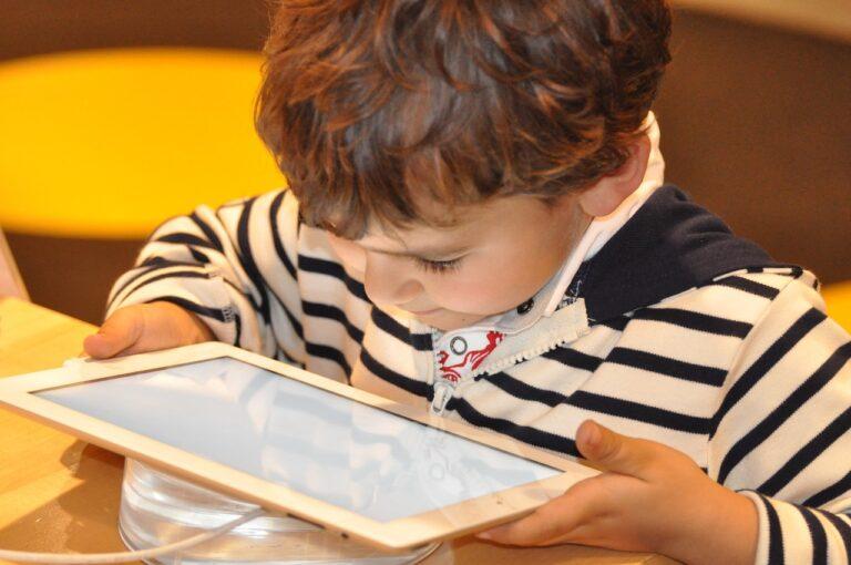 Jaki antywirus z ochroną rodzicielską wybrać dla dziecka w 2021 roku?